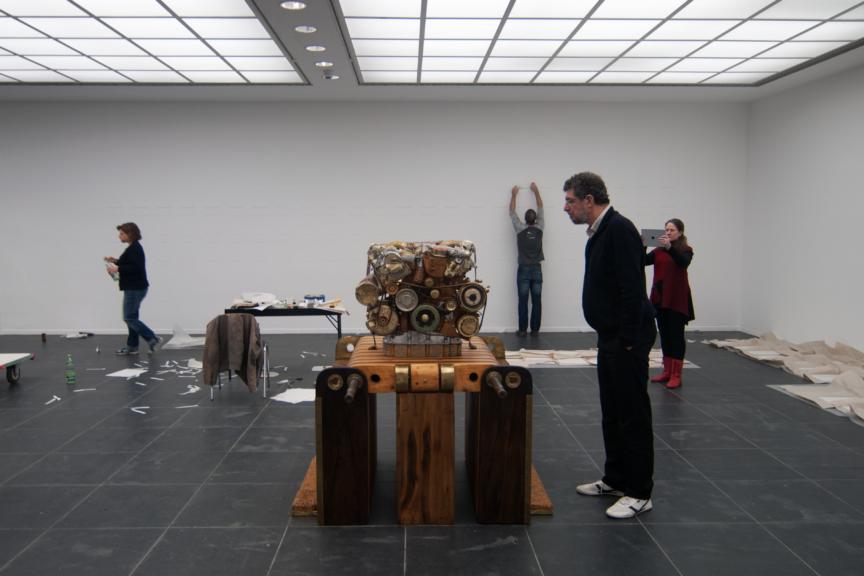 Jean-Louis Van Hove with V12 Laraki at the Frankfurter Kunstverein in 2016 (Photo Eva Munday)